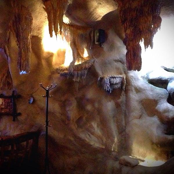 помогает придорожное кафе в пещере армения фото участия венских балах