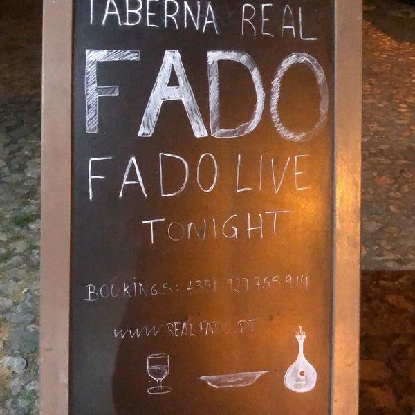 Снимок сделан в Taberna Real do Fado пользователем Wilfred B. 8/22/2018