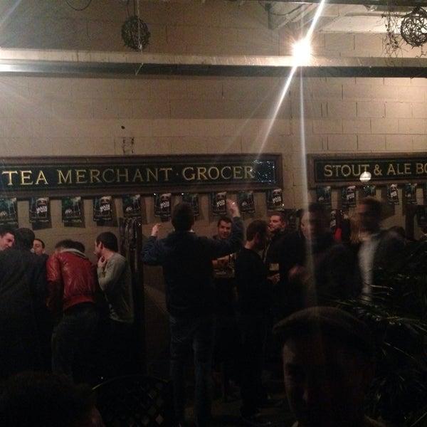 รูปภาพถ่ายที่ Toners Pub โดย Dave S. เมื่อ 11/16/2013