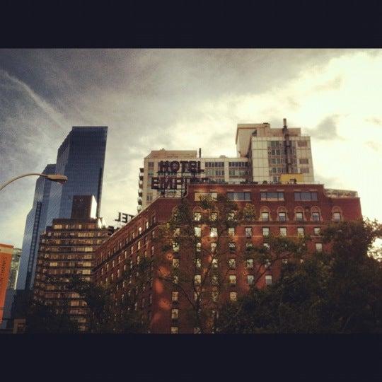 Снимок сделан в The Empire Hotel пользователем Kaitlyn 10/13/2012
