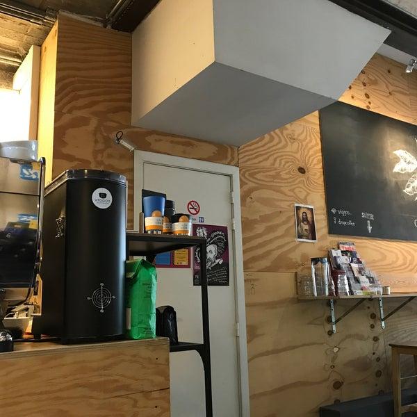 Foto tirada no(a) Viggo's Specialty Coffee por Philippe R. em 8/20/2018
