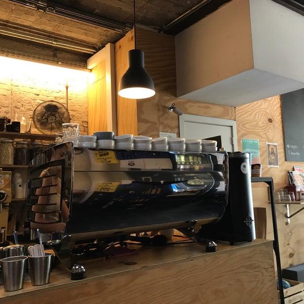 Foto tirada no(a) Viggo's Specialty Coffee por Philippe R. em 6/29/2018