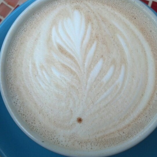 5/10/2013にJenがFrogg Coffee Bar and Creperieで撮った写真