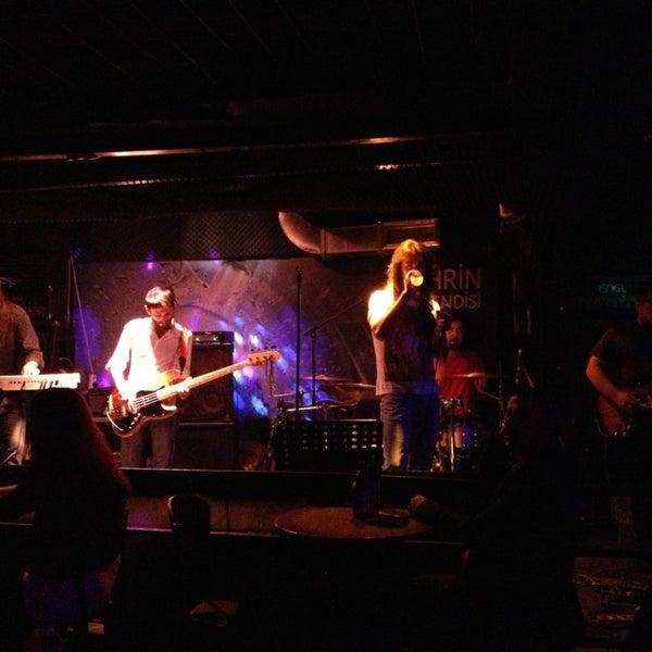 4/1/2013 tarihinde Jari L.ziyaretçi tarafından Dorock Heavy Metal Club'de çekilen fotoğraf