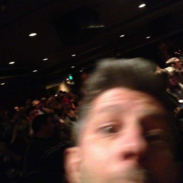 12/22/2012 tarihinde Tracieziyaretçi tarafından Comedy Works Downtown in Larimer Square'de çekilen fotoğraf