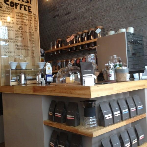 Снимок сделан в Café del Volcán пользователем Elaine YW S 4/29/2013