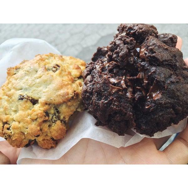 10/21/2015에 Samuel C.님이 Levain Bakery에서 찍은 사진
