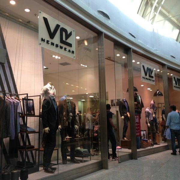 2131b86f12c Photo taken at VR Menswear by Pablo B. on 6 7 2013