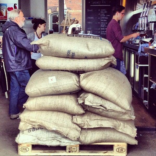 Foto scattata a Espressofabriek da espressofabriek il 9/28/2012