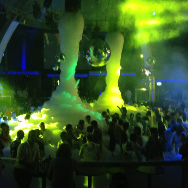 รูปภาพถ่ายที่ Club Inferno โดย Enes เมื่อ 6/21/2013