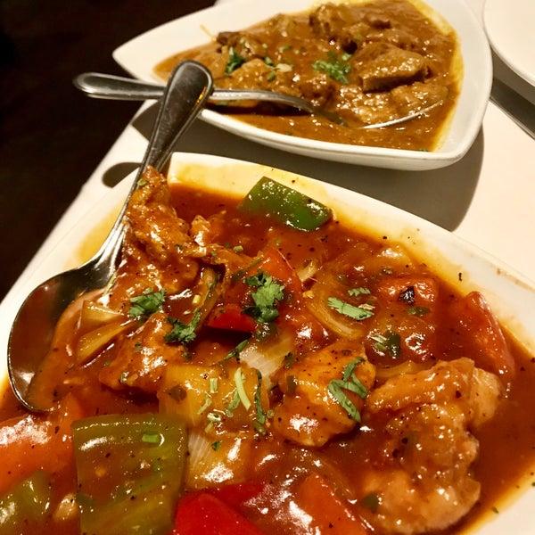 Photo prise au 2 Darbar Grill Fine Indian Cuisine par Michael H. le9/22/2018