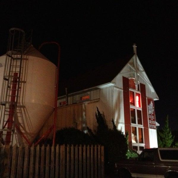 3/10/2013에 Chris S.님이 Outer Banks Brewing Station에서 찍은 사진
