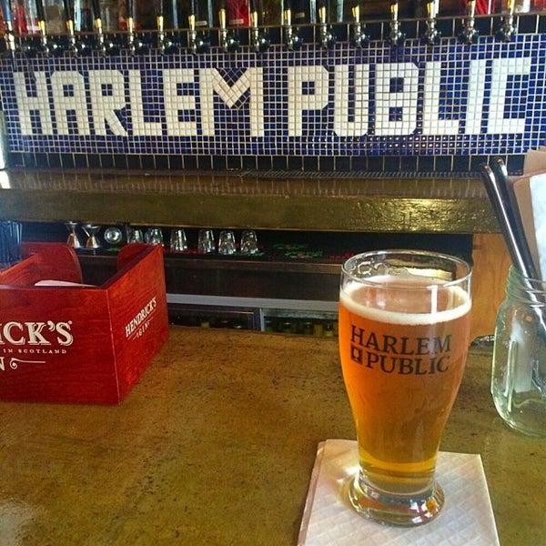 รูปภาพถ่ายที่ Harlem Public โดย Michael T. เมื่อ 5/9/2015