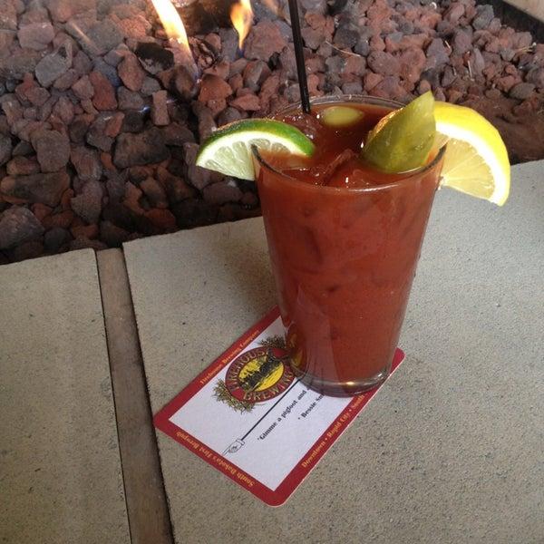 รูปภาพถ่ายที่ Firehouse Brewing Company โดย Daniel E. เมื่อ 3/30/2013