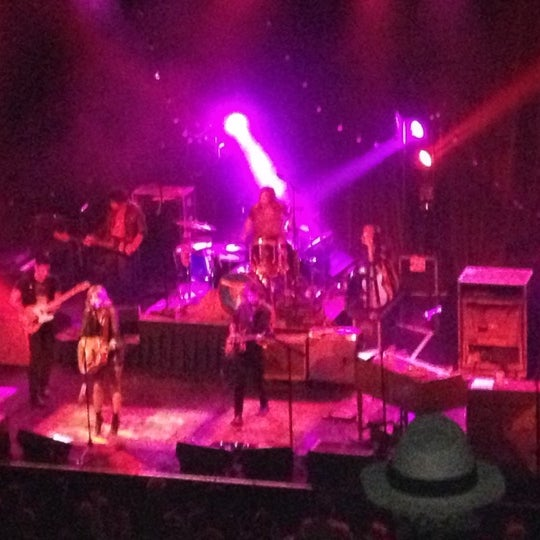 Foto diambil di House of Blues oleh Jess N. pada 12/1/2012