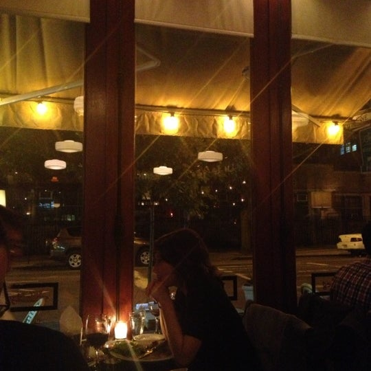 Foto tomada en Watty & Meg por Manny V el 10/14/2012