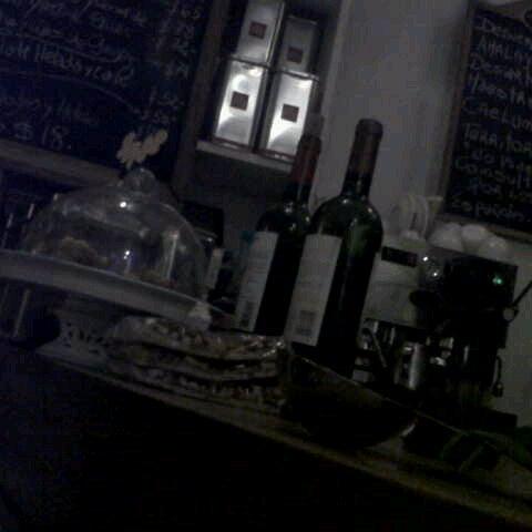 Foto tirada no(a) Florencio Bistro & Patisserie por An B. em 12/27/2012