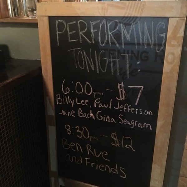 Foto scattata a The Listening Room Cafe da Matt il 11/25/2016