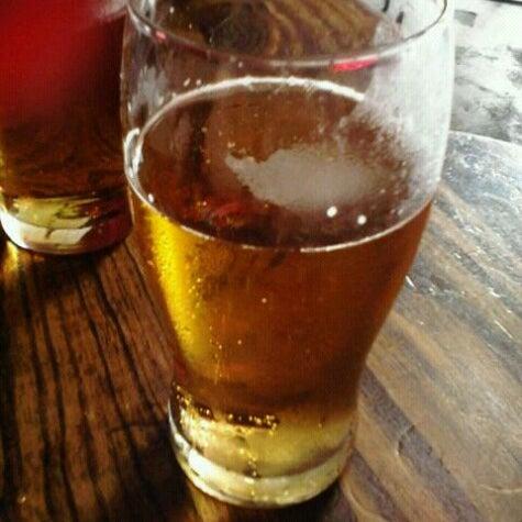 Снимок сделан в Sugar Bar пользователем Paula D. 12/30/2012