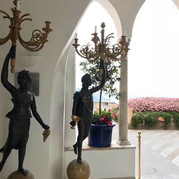 Foto diambil di Hotel Palazzo Avino oleh Tom 😎 C. pada 9/26/2017