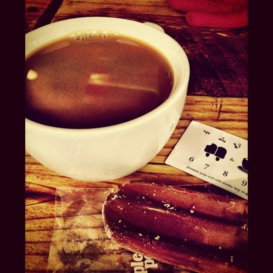 12/2/2012 tarihinde Mel C.ziyaretçi tarafından Pleasant Pops Farmhouse Market & Cafe'de çekilen fotoğraf