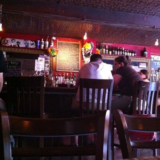 Photo prise au Bar Great Harry par Chris M. le5/28/2011