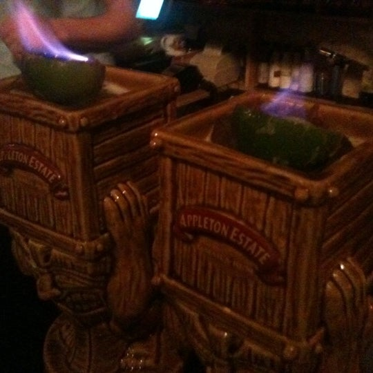 Foto tomada en Grandma's Bar por Diane H. el 10/27/2011