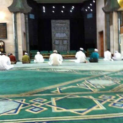 7/27/2012 tarihinde Didz D.ziyaretçi tarafından Masjid Al-Ameerah Al-Hajjah Maryam, Kg Jerudong'de çekilen fotoğraf