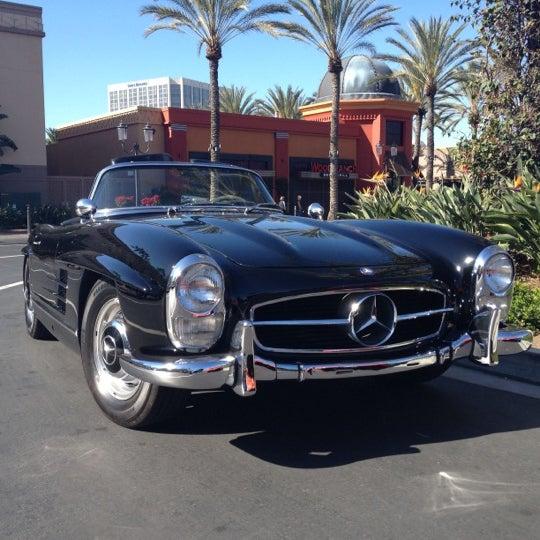 Foto diambil di Irvine Spectrum Center oleh Mack M. pada 3/10/2012