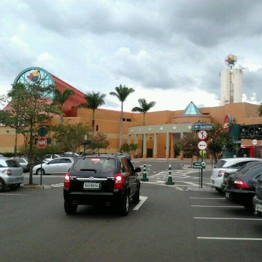 รูปภาพถ่ายที่ Shopping Iguatemi โดย Nilton T. เมื่อ 4/8/2012