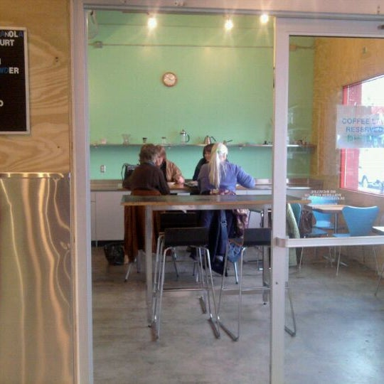 12/3/2011에 Robyn H.님이 Peace Coffee Shop에서 찍은 사진