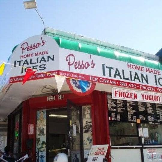 Photo prise au Pesso's Ices & Ice Cream par Aylon P. le8/3/2011