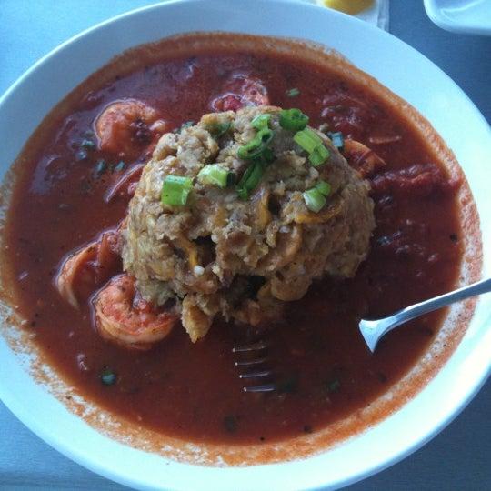 Das Foto wurde bei Jimmy'Z Kitchen Wynwood von MARIANGEL R. am 4/25/2011 aufgenommen