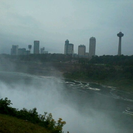 9/4/2011 tarihinde Pam G.ziyaretçi tarafından Niagara Falls USA Official Visitor Center'de çekilen fotoğraf