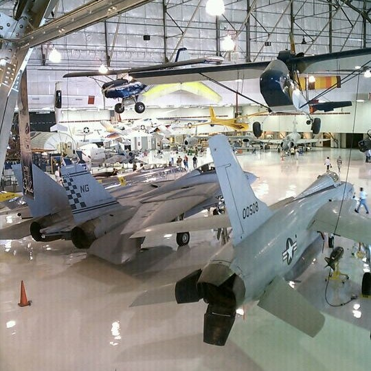 9/10/2011にSupovadeaがWings Over the Rockies Air & Space Museumで撮った写真