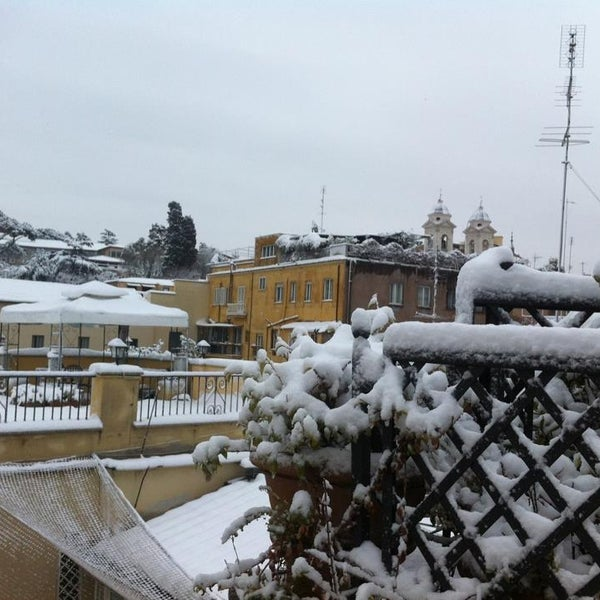 Exceptional Snowfall in Rome