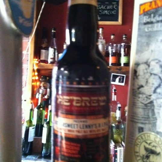 Das Foto wurde bei Fourth Avenue Pub von Krimreaper am 6/9/2011 aufgenommen
