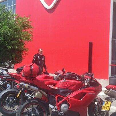 6/25/2012 tarihinde Jaap P.ziyaretçi tarafından Ducati Motor Factory & Museum'de çekilen fotoğraf