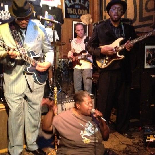 Photo prise au B.L.U.E.S. par Robert H. le2/18/2012