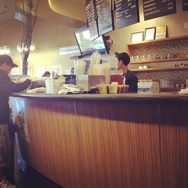 Foto scattata a AU 79 Tea House da Victor H. il 3/7/2012