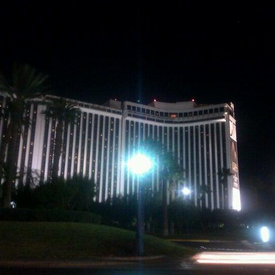 Foto diambil di LVH - Las Vegas Hotel & Casino oleh GonZo J. pada 1/28/2012