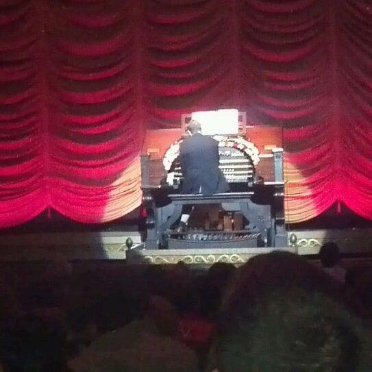 Photo prise au The Byrd Theatre par CeeJay L. le10/23/2011