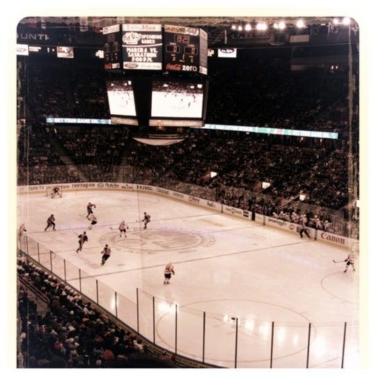 2/24/2012 tarihinde Kris C.ziyaretçi tarafından Northlands Coliseum'de çekilen fotoğraf