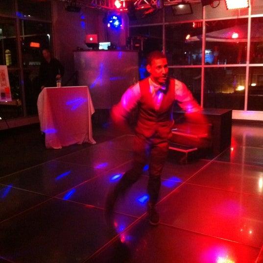 Снимок сделан в Solas Lounge & Rooftop Bar пользователем Angela H. 5/24/2012