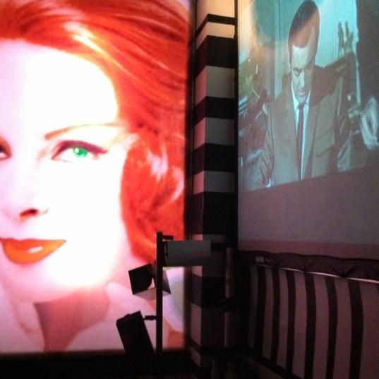 Foto scattata a Beauty Bar da Carolann B. il 7/17/2011