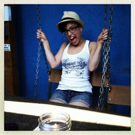 8/13/2012 tarihinde Susan C.ziyaretçi tarafından EastBurn'de çekilen fotoğraf