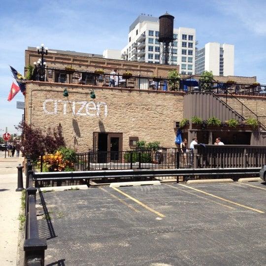 Photo prise au Citizen Bar Chicago par Usman A. le5/23/2012