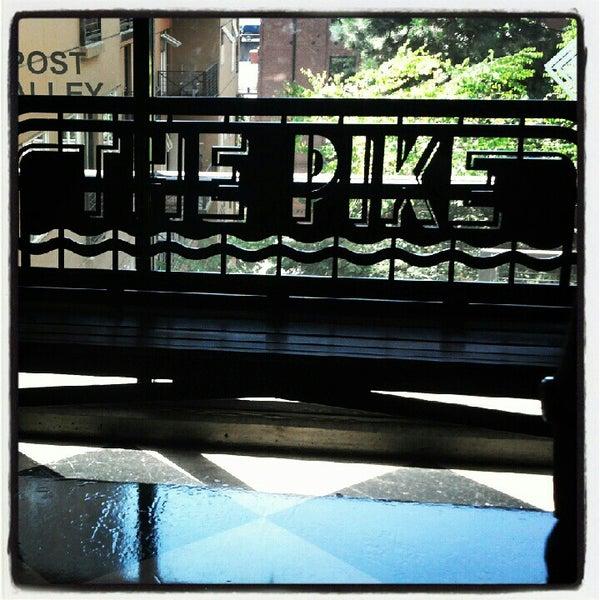 Das Foto wurde bei Pike Brewing Company von Andrea J. am 8/14/2012 aufgenommen