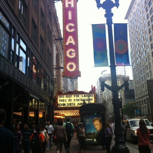 Foto scattata a The Chicago Theatre da Stef R. il 6/15/2012