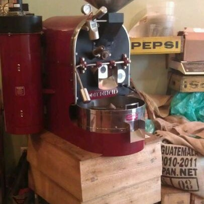 Foto tirada no(a) Ipsento Coffee House por Molly M. em 3/23/2012